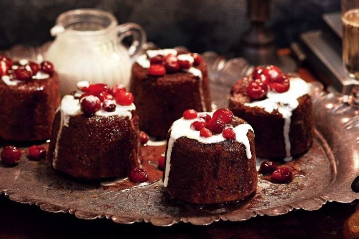 Sticky cranberry and butterscotch puddings