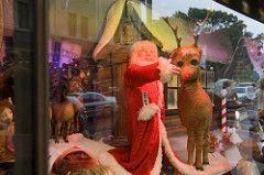 Rudolph The Red Nose Reindeer (Silver Spot) Tags: christmas australia nsw davidjones christmaswindows rudolphtherednosedreindeer file:name=200512dsc2003