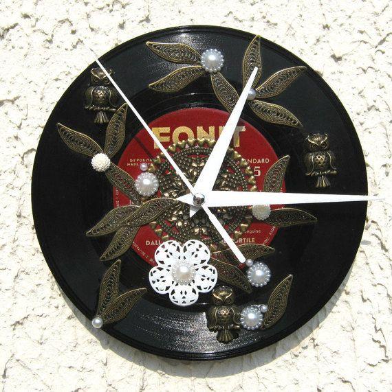 Orologio da parete realizzato con vinile di Avanzidicraftroom