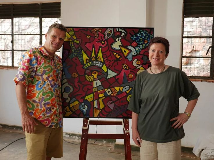 Everything was different and special during our stay in Uganda. So this painting by OUBEY didn´t only enjoy to have just one encounter but exceptionally had two. One with Dr. Kizito Maria Kasule which we posted earlier today, and another one with Eirik Jarl Trondsen. He is the one who initiated the contact between OUBEY MINDKISS and NIAAD in June and took care for letting all of this exciting stopover really become true. Such a great and Incredible story ... thank you so very much Eirik!
