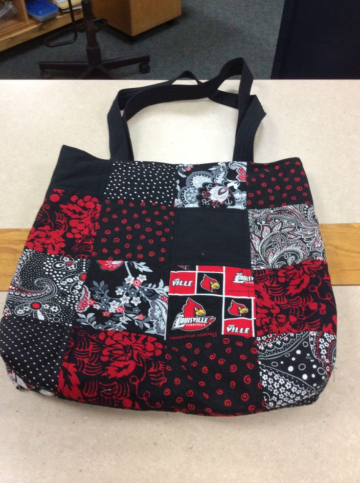 University of Louisville tote bag.  Lining is University of Louisville fabric.