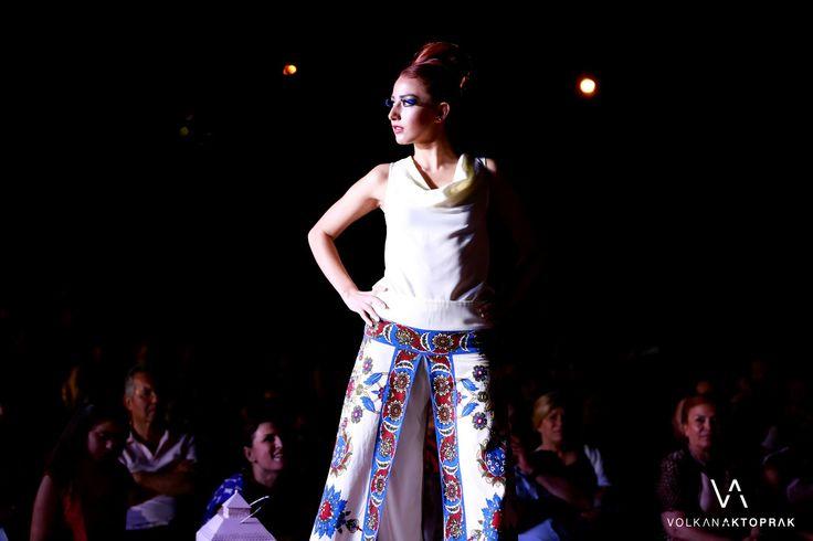 ottoman motifs pants and skirtpants, degaje blouse