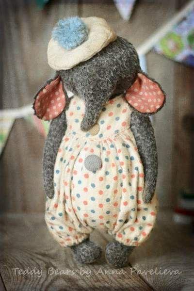 Elephant Bonbon By Anna Pavelieva - Bear Pile