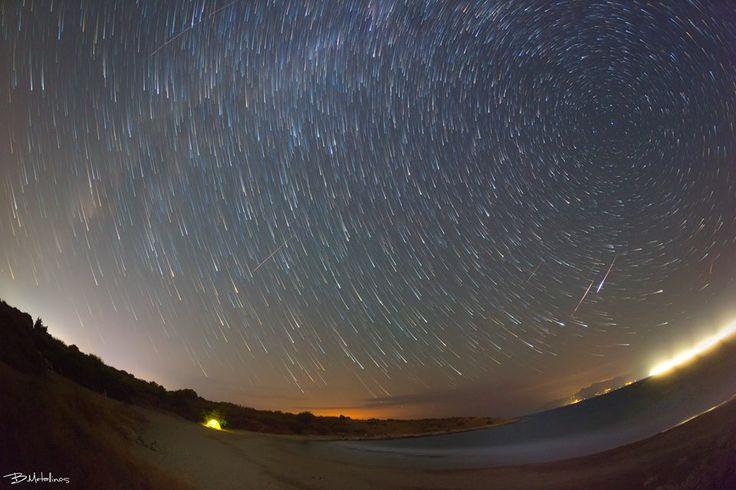 Perseids meteor shower and Stellar traces above Yaliskari beach. Photo by: Bill Metallinos. #GreenCorfu - greencorfu.com - https://pinterest.com/greencorfu/