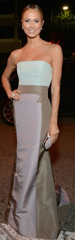 Stacy Keibler: Dress – Carolina Herrera    Shoes – Giuseppe Zanotti    Purse – Judith Leiber    Jewelry – David Webb