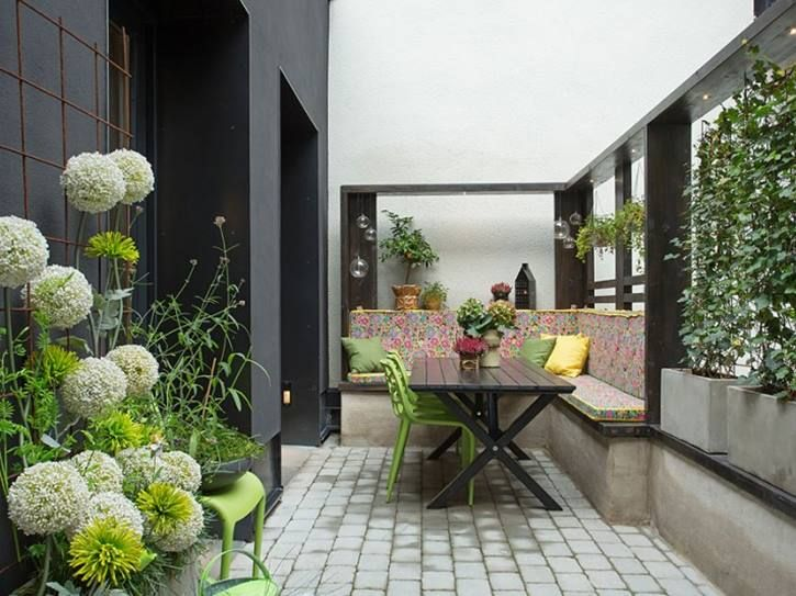 43 best images about garden designs on pinterest gardens for Minimalist house with courtyard