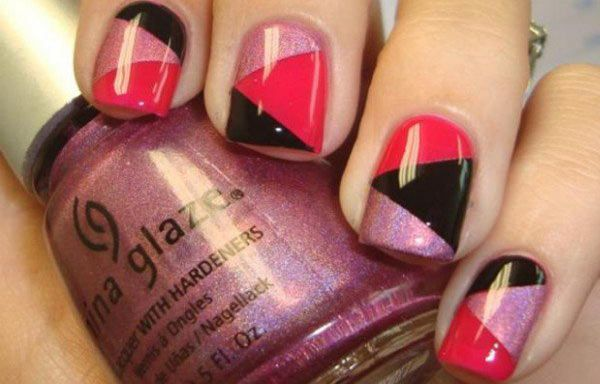 Diseños de uñas con cinta, diseño de uñas con cinta en triangulos.   #diseñodeuñas #unhas #uñasconbrillos