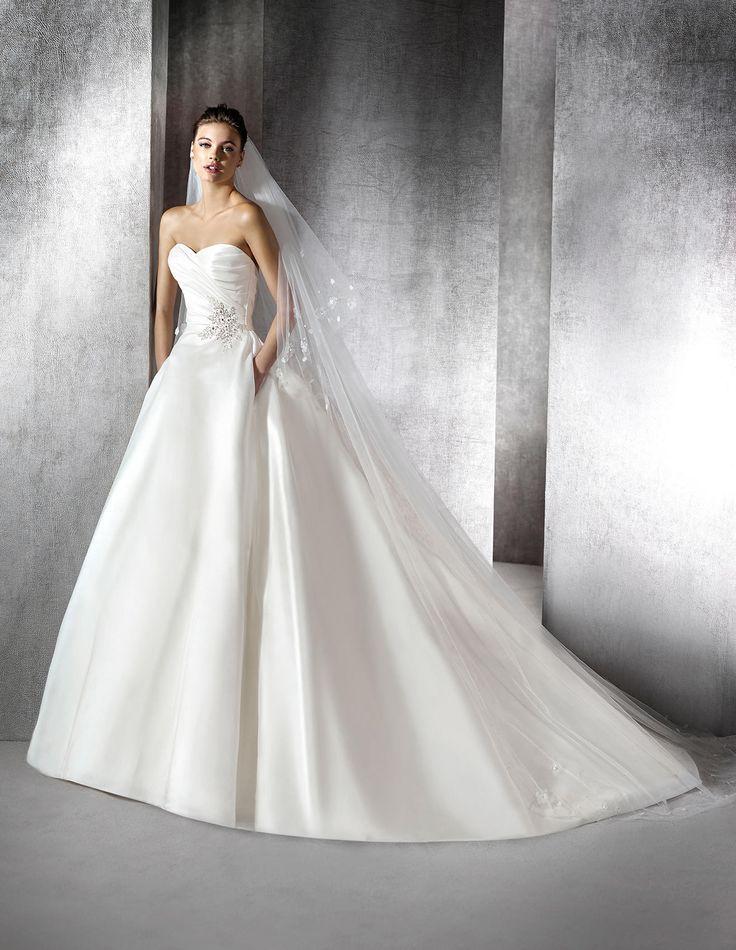 Kleid Zan im Prinzessin-Stil mit Schmucksteinbesatz