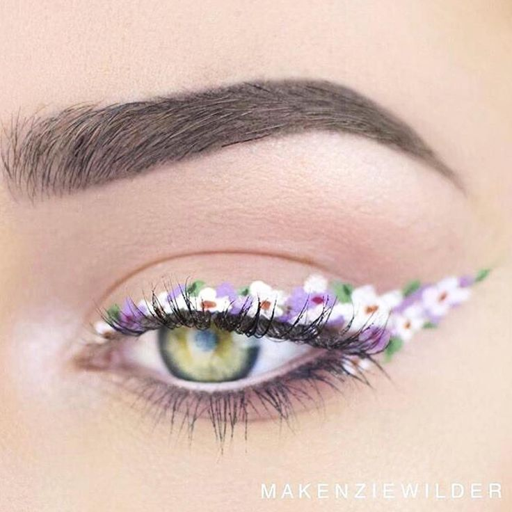 "942 Likes, 7 Comments - POPSUGAR Beauty (@popsugarbeauty) on Instagram: ""If you thought your daily winged liner was hard to do, then you won't believe this beautiful floral…"""