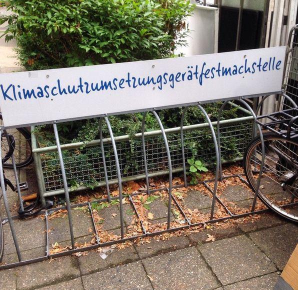 Und andere sind sogar so kompliziert, dass sie witzig sein könnten.   23 Beweise, dass die deutsche Sprache nur erfunden wurde, um die Menschheit zu verwirren