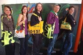Unikátní recyklované tašky, ručně vyrobené z bannerů, které byly použity při našich přímých akcích. Každý kousek je originál. Každý má svůj příběh. Přestože jejich historická a umělecká hodnota je nevyčíslitelná, nabízíme nyní tyto sběratelské skvosty za cenu 90,- Kč!