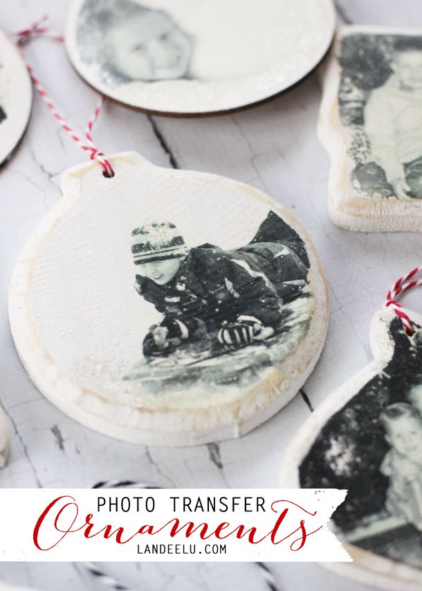 Photo Transfer Christmas Ornaments | landeelu.com  Love this idea to display holiday memories on the Christmas tree!: