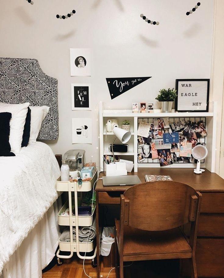 44 Dorm Room Ideas and Decor Small Space Hacks | texasls.org #dormroom #dormroom…
