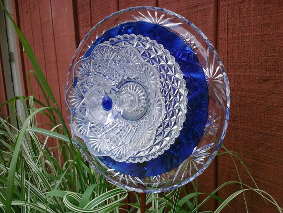 17 best images about recycled glass garden art on for Recycled glass flowers