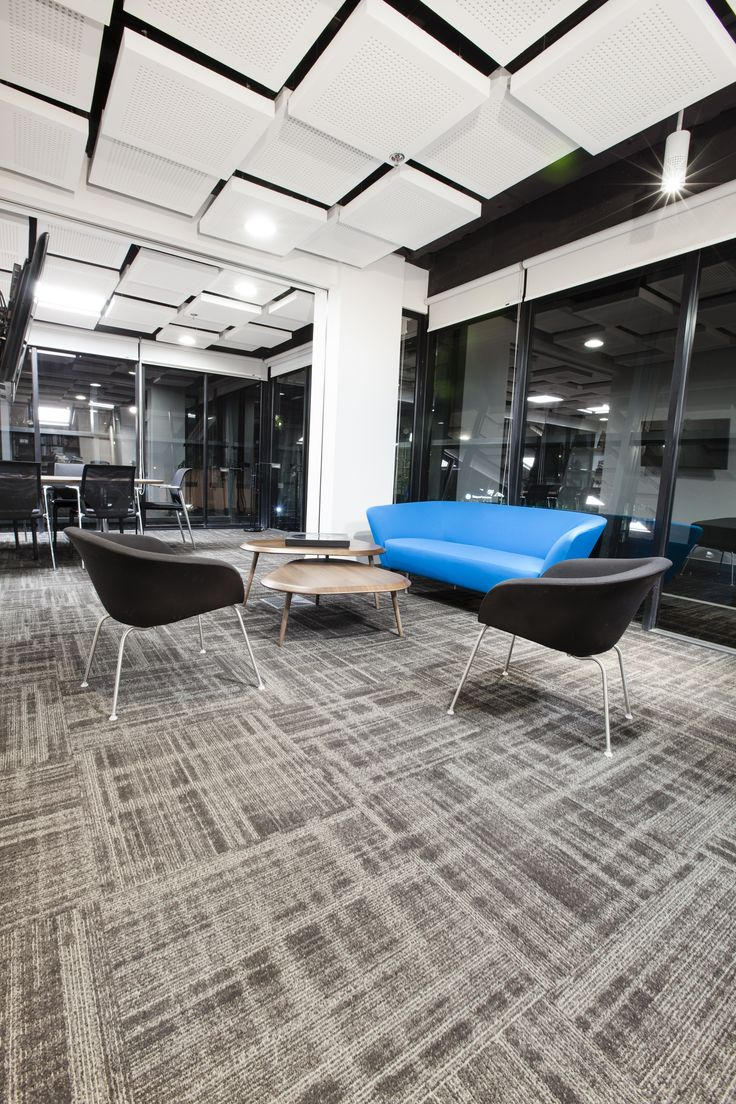 Oficinas Grupo Terranum #largeoffice #commercialspaces #commercialinteriors #design #flooring