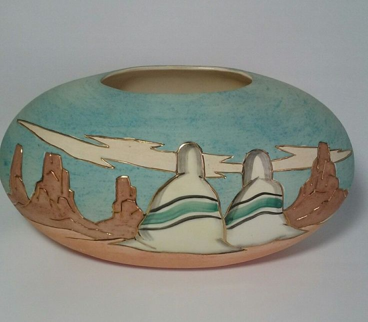 "Southwestern Vase Pottery Signed Vera Russell 22 KT Gold Trim Oval Art 12""L"
