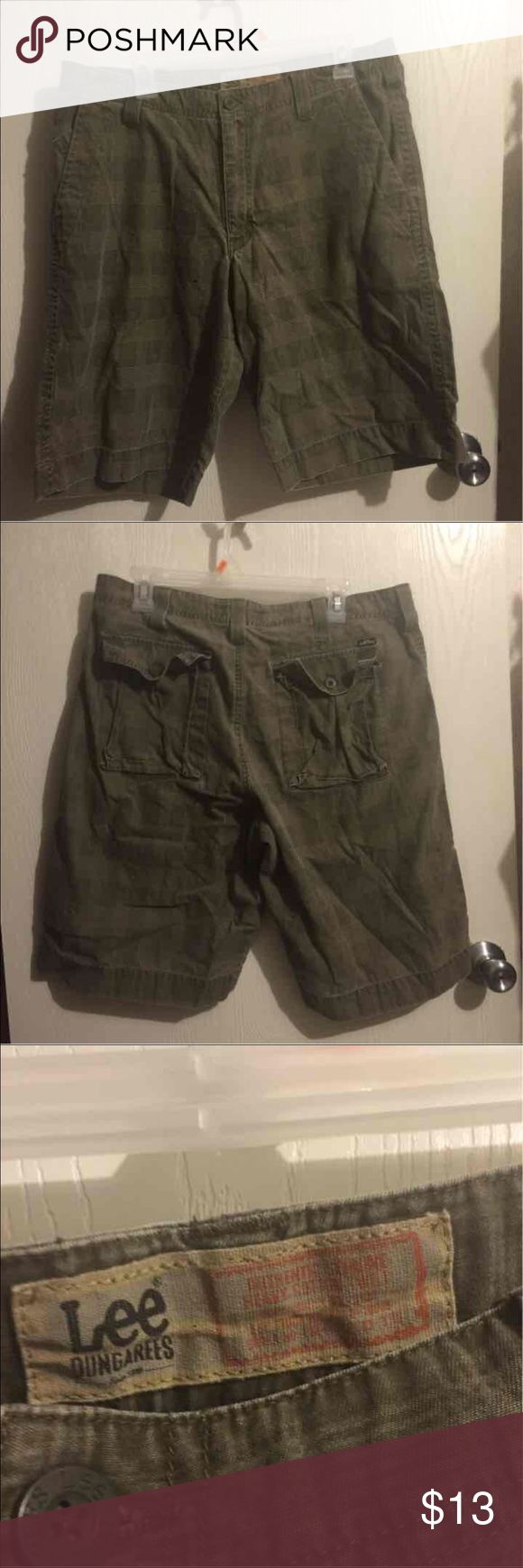 Mens Lee DunGarees Shorts size 34 ❇️ Mens Lee DunGarees Shorts size 34❇️ Lee Shorts Flat Front