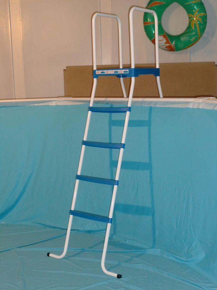Ciao amici! Benvenuti ancora una settimana. Una parte fondamentale della nostra piscina è la scaletta, che deve essere sicura e soprattutto la sua parte inferiore non deve danneggiare il liner. Abbiamo a disposizione diverse dimensioni, entrare e scoprite i nostri modelli. http://www.piscinefuori-terra.com/scalette-per-piscine/