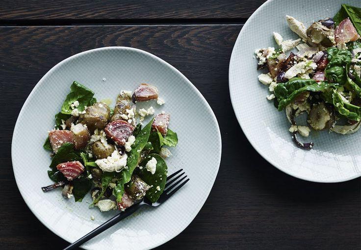 Mens vi stadig venter på foråret og de spæde grøntsager, så brug resten af sæsonens rodfrugter til denne salat.