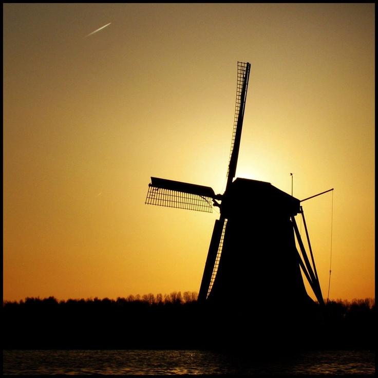 Vrouwgeestmolen in the Alphen aan den Rijn, the most awesome sunset I'd ever seen