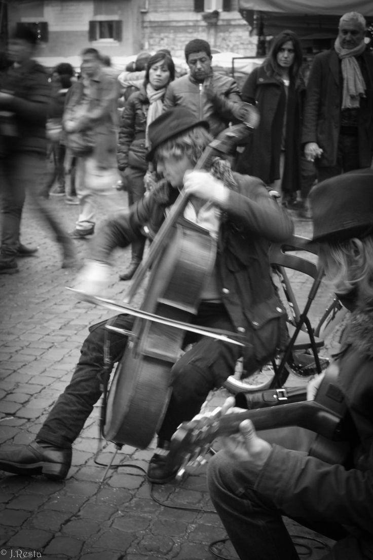 Street Musician @ the Pantheon #Roma