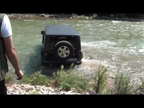 Wrangler Rubicon river crossing - YouTube