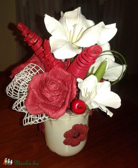 Rózsás asztaldísz kerámia bögrében (pinkrose) - Meska.hu