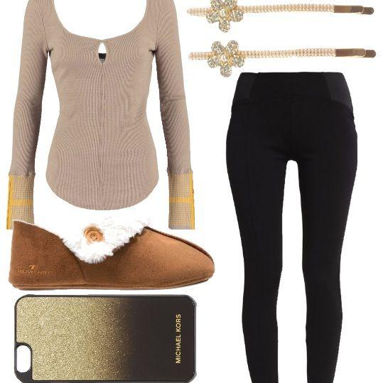 Outfit delizioso per stare in casa e non rinunciare al proprio stile. Leggings abbinato a splendida maglia taupe a manica lunga e alle morbidissime e caldissime pantofole camel. Un tocco di glamour con il porta cellulare gold e gli splendidi accessori per capelli.