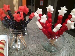 Fruit & Veggie Sparklers for your 4th of July Party! Fruit = Skewers + Blueberries/Blackberries + Watermelon Stars Veggie = Skewers + Grape Tomatoes + Turnips or Jicama Stars