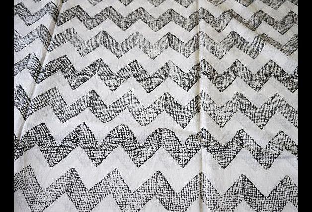 Tessuto a righe - Tessuto di cotone stampato blocco - un prodotto unico di indianlacesandfabric su DaWanda