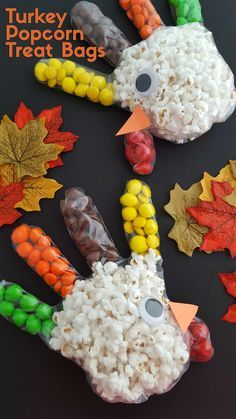 Turkey Popcorn Treat Bags #Thanksgiving #treats #kids