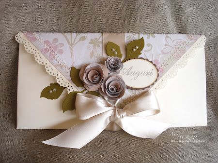 Card portasoldi. would make a great wedding program or menue holder.