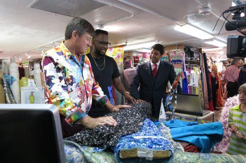 Craig Sager at REX Fabrics plotting out his next custom suit! Credit: Image courtesy of REX Fabrics 825 SW 37 Avenue, Miami, FL 33135, USA P. 305-448-0028 F. 305-448-7979 www.rexfabrics.com