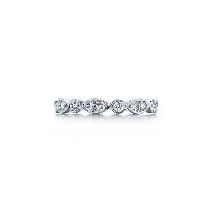 Bague Tiffany Swing en platine et diamants.   Tiffany & Co.