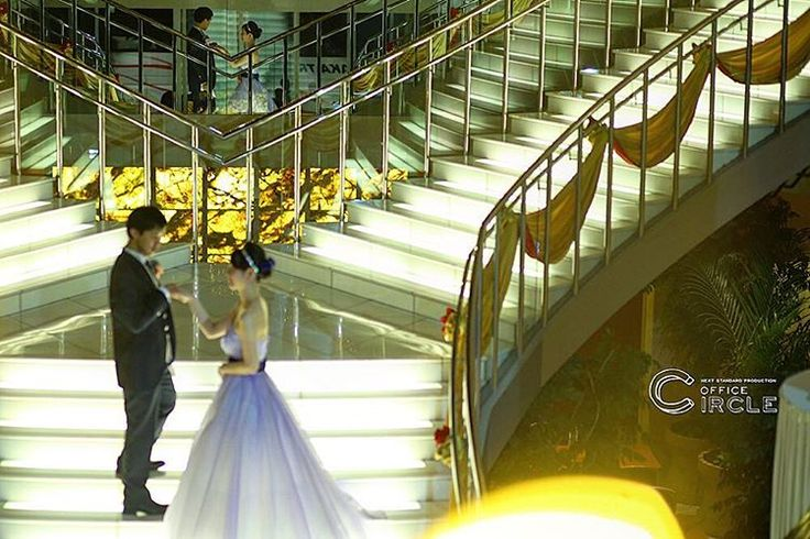 #usj が目の前のホテルで結婚式☺︎ * usjグッズを揃えてテーマパークウエディング* * * #ロケーションフォト #前撮り#フォトウェディング のご予約受付中です☺︎ 人気の#和装前撮り もご予約可能* 【撮影プラン、プライスページ更新しました☺︎】プロフィールのリンクよりご確認くださいませ! * #ユニバーサルスタジオジャパン #日本中のプレ花嫁さんと繋がりたい #結婚式カメラマン #大阪花嫁 #関西プレ花嫁 #関西花嫁 #2017春婚 #wedding #weddingphotography #プレ花嫁 #bridal #officecircle #osaka #2017夏婚 #2017秋婚 #結婚式 #結婚式準備 #photographer #ウエディングドレス #結婚式diy #2017冬婚 #花嫁diy #大阪花嫁 #婚紗攝影 #海外婚紗 #キラキラ