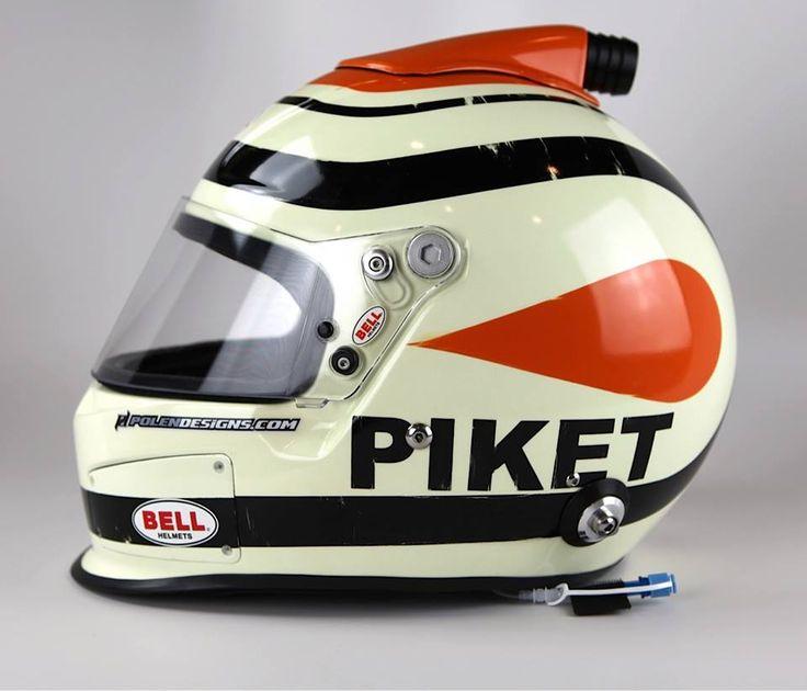 """Capacete de Nelson Piquet no início de sua carreira. Ele mudava a forma de escrever o sobrenome para tentar enganar sua mãe que não queria ver ele correndo. Dona """"Piquet"""", é claro, não se deixou levar pela canalhice do filhão. E ainda bem que mamãe não o impediu de continuar correndo."""