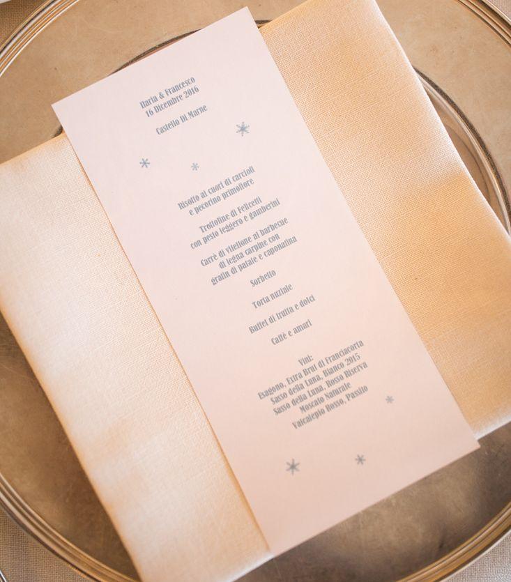 Niente fuori tema. Nemmeno i #menù  Dal #matrimonioinvernale di #IlaFra   #Event_ualmente #weddingplanner #matrimonio #allestimento #stationery #fattoamano #Lecco