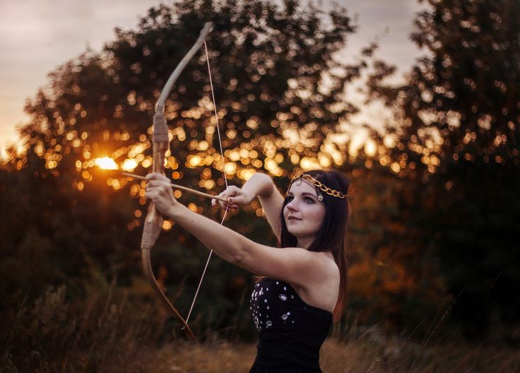 Mod. Dorota Puszczewicz  #photography #sunset #girl #fairytale #tale #photoshoot #ideas #dark #hair #arc #warrior #light #canon #summer