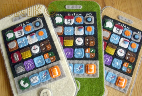 A felt iPhone! Amazing idea and one that needs to be done with my kids!