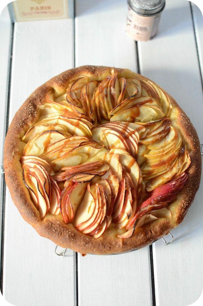 On est en plein saison de pommes et cette année il y en a en abondance et du coup je la cuisine à toutes les sauces ces temps-ci ! Et puis il y a eu un voyage agréable à Toulouse, c'est un voyage sur les traces d'une pomme pas comme les autres. Si je...