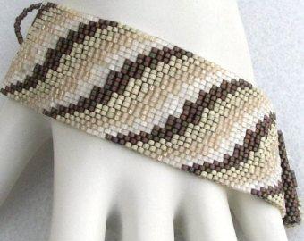 Metales mezclados corrugado Color cinta Peyote Cuff por SandFibers