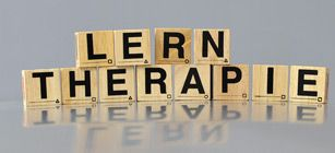 http://www.lte-lerntherapie.de/akademie.html: LTE : Lerntherapeutische Einrichtung in Stuttgart, Lerntherapie, Kompetenz-Zentrum für Psychologisch-Lerntherapeutische Diagnostik und Psychologisch-Integrative Lerntherapie, Tätigkeitsbereich ist die spezifische Fachdiagnostik und Lerntherapie bei Lern- und Leistungsstörungen, Lese- und Rechtschreibstörungen, Rechenstörungen und ADHS / Aufmerksamkeitsstörungen.