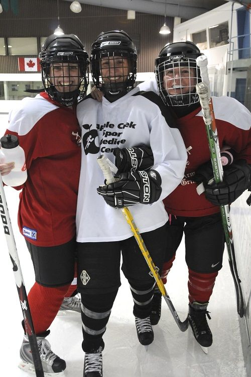 @KobeK3G This month's Hockey Hub Star is Deb Lind.  She is a member of the hockey community who exemplifies the values at CARHA Hockey.  Read more here: http://carhahockey.ca/1050/hockey-hub-star-deb-lind #CARHA #Hockey #Community #Ottawa #Canada #Sports #Athlete