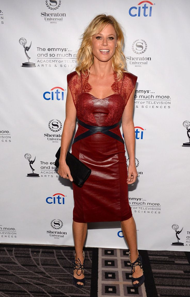 Julie Bowen attends Pre-Emmy Awards Peer Group Cocktail Reception