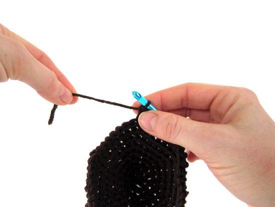 Вязание крючком: смена нити без завязывания узлов