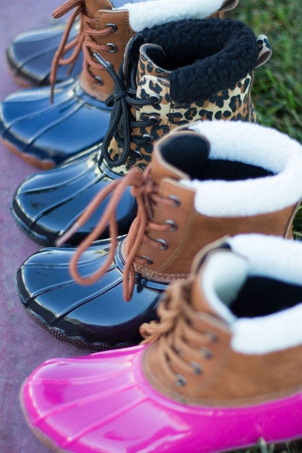 These girls duck boots are super chic!