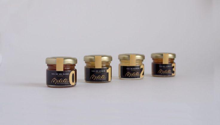 Envase de miel, tamaño 40 gramos de Meleta. Diseño de identidad corporativa y packaging by THINK UP Creativos.
