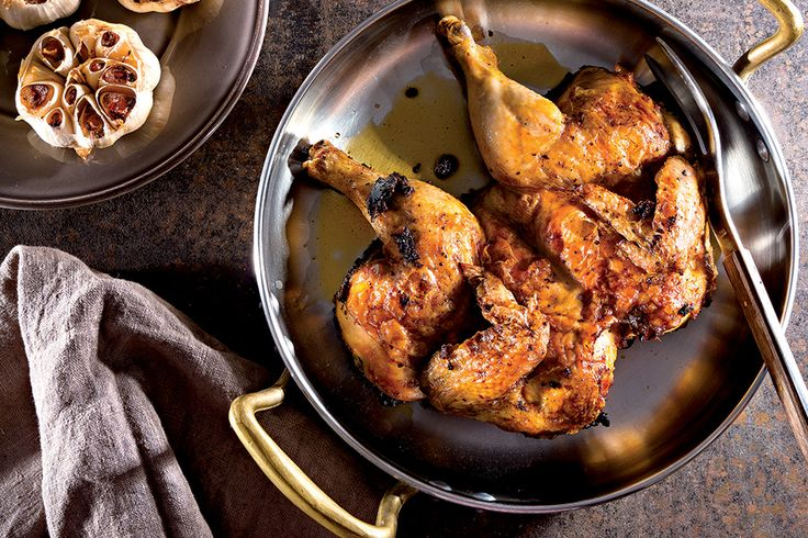 Pollo schiacciato e aglio al forno