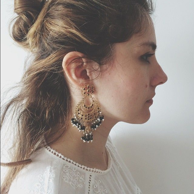 @dailybizz looking chic in ISHARYA Moon bali fringe earrings