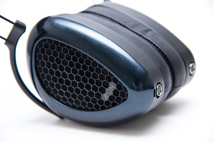 Full review of the Aeon Flow from MrSpeakers. https://audio-head.com/mrspeakers-aeon-flow-open-headphone-review/